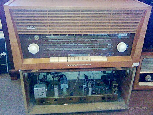 Unban Antique Radios and Vintage Hi-Fi - 02