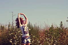 173/365 (just_makayla) Tags: flowers sky motion girl sunglasses hair jumping movement hands arms 365 crazyhair aviators shortshorts day173 hairflipiduno armposin tallgrasstypestuff
