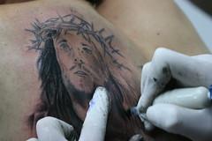(AndrésHenao) Tags: cristo tinta dolor agujas tatuajes puntiagudo piel rayarse rayarselapiel