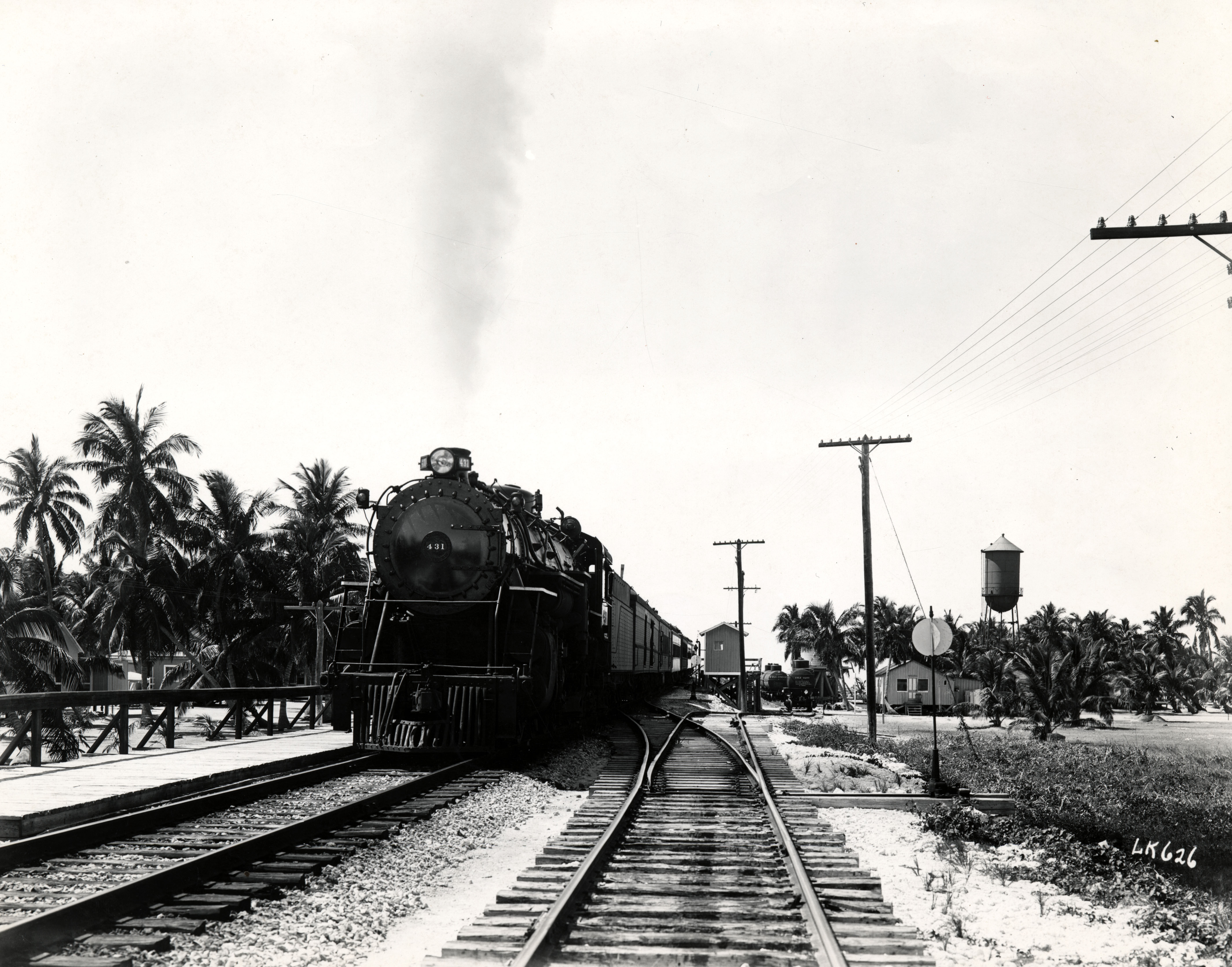 Florida East Coast Railway, Key West Extension. Train at Long Key. Gift of Ramon Davis. Retrieved from the Florida Keys Public Library