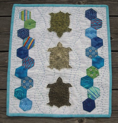 finished! turtle/hexagon quilt for DQS9