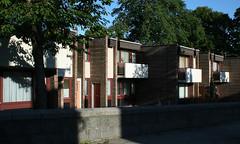 Forestgait Lodge, Sheltered Housing, Aberdeen, Scotland (SpaceLightOrder) Tags: sun architecture modernism aberdeen balconies housing greenery shelteredhousing
