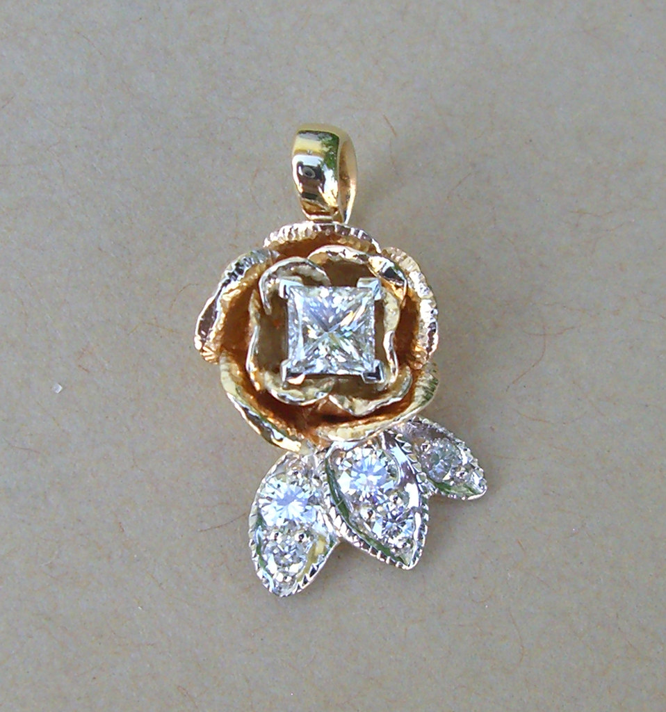 14K Diamond Rose Pendant / 1