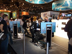 P1010082 (Frog-Blog) Tags: girls game xbox kln zrich cod yr 2010 gruppe widmer futurecom gamescom kinect glozzertv rambold