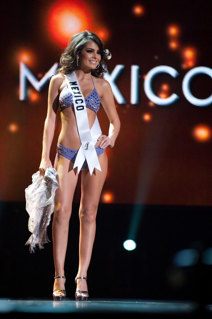 Miss México Jimena Navarrete en traje de baño