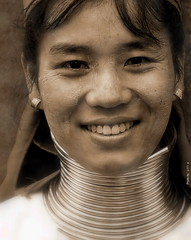 Padaung Beauty (ulli_p) Tags: travel friends people woman art beautiful beauty smile sepia portraits neck thailand friend asia southeastasia long faces head karen best longneck tqm hilltribes chiangrai longnecktribe thaipeople karentribe padaung travelphotography artisticexpression aworkofart longneckkaren unaltraperlanera anotherblackpearl flickraward unseenasia canoneos450d concordians theperfectphotographer earthasia thebestshot spiritofphotography bestflickrphotography womenexpression totallythailand artofimages worldwidetravelogue flickrtravelaward
