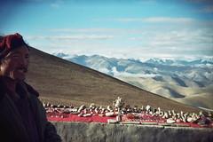 Qomolangma - Everest - TIBET (Eugnie de Mistival) Tags: china camera black film analog corner toy holga lomo bc cam tibet iso 200 asa 135 himalaya russian everest qomolangma