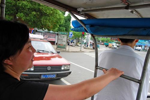 l134 - Chunlin on a Túnxī Pedicab