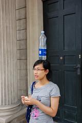 DSC_7786 (Cha già José) Tags: water rain copenhagen denmark bottle place platz pluie courtyard palace palais schloss dänemark danmark kopenhagen regen københavn danemark copenhague amalienborg slotsplads nôni