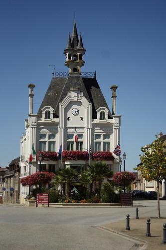 Hôtel de Ville de la Belle au Bois Dormant?