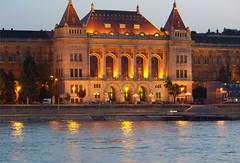 Budapest Sunset (pensivelaw1) Tags: hungary trolley budapest statueofliberty parliment chainbridge ststephensbasilica herossquare fishermansbastion libertybridge elizabethbridge budapestcastle dohanystreetsynagogue statueofstgellert szechenvibridge