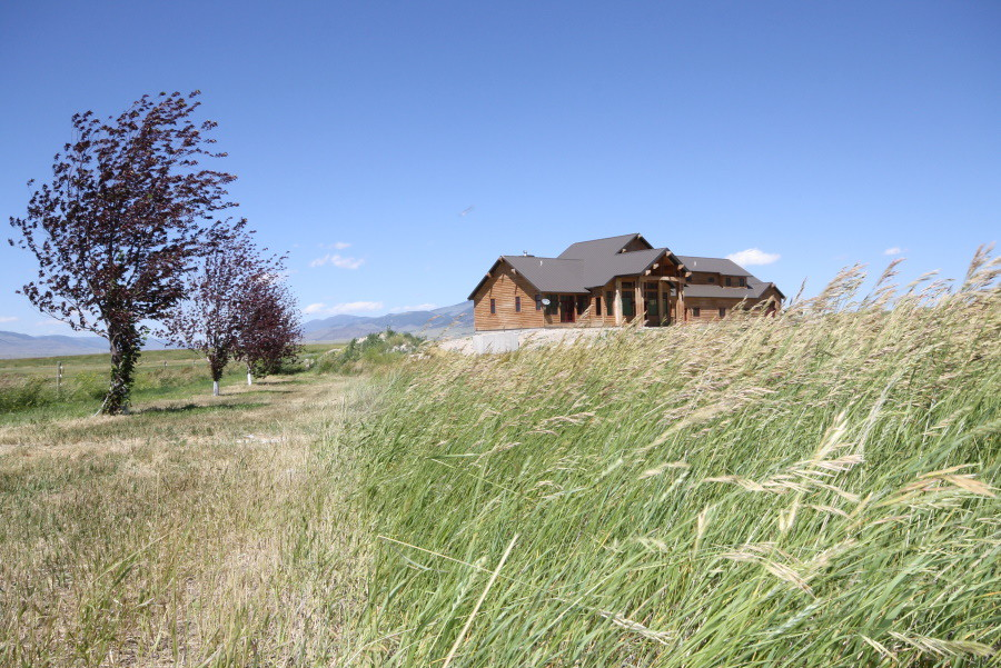 Jefferson River Montana luxury home for sale