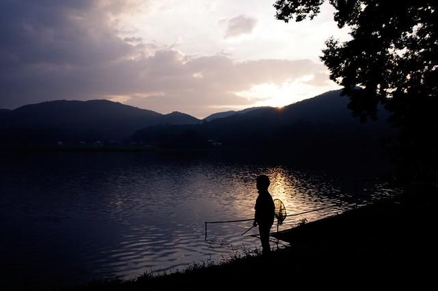少年 ~早朝の木崎湖~