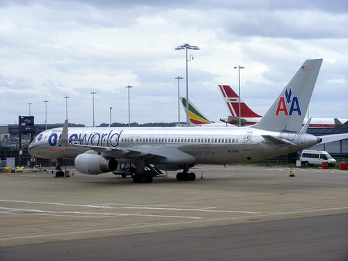 American Airlines Boeing 757-200, N174AA @ London Heathrow