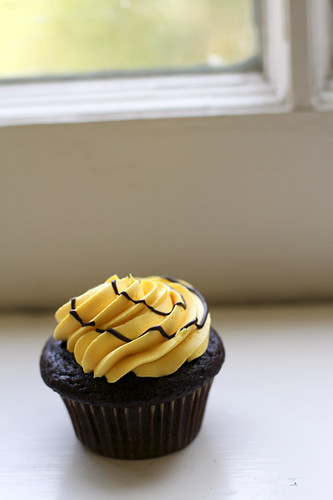 Black and Gold Cupcake
