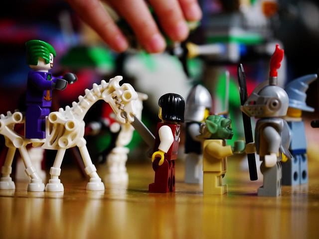 The Joker and Yoda fighting Knightmen