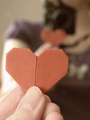 {19/365} Amourigami (Kap-) Tags: canada reflection love paper mirror origami heart coeur reflet qubec 365 miroir papier valentinesday amur g11 saintvalentin