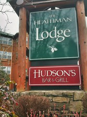 Hudson's Bar & Grill in Vancouver WA at Heathman Lodge