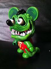 MINI QEE FINK (MR DEN) Tags: vinyl wip ratfink sculpt toy2r customtoy miniqee mrden