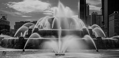 Buckingham Fountain Chicago (| ElectricEye |) Tags: buckinghamfountain chicagostreet tourchicago explorechicago chicagodowntown fujifilmxseries ndfilter daytimelongexposure