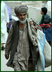 Miserable life,Peshawar (imranthetrekker , Bien venu au Pakistan) Tags: poverty life pakistan tourism tourists peshawar nwfp imranthetrekker imranschah chitralguy pushtoon