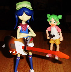 noodle and yotsuba (Luckykatt) Tags: comic manga noodle gorillaz kaiyodo mycollection yotsuba revoltech enokitomohide luckykatt kiyohikoazumayotsubasutazio