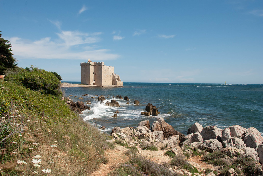fortification at Île Saint-Honorat