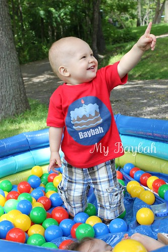 4750716637 dae37abc41 Etsys I Spot You Customized Tees for Your Tots Review & Giveaway!  Closed
