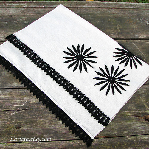 natural linen table runner with crocheted flowers and lace