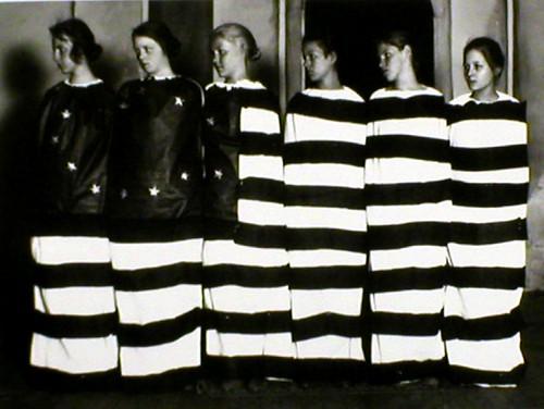 girls_in_flag