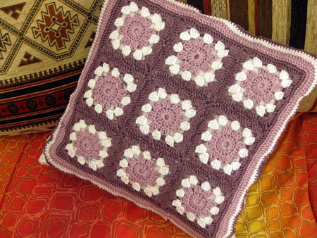 granny-square-cushion