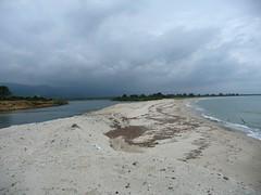 Embouchure de l'étang de Palu : l'étang, la plage et la mer