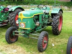 1947 Deutz F21 (Davydutchy) Tags: tractor holland classic netherlands july otto friesland 2010 trecker trekker schlepper oldtimershow fryslân stnicolaasga sintnyk stnyk