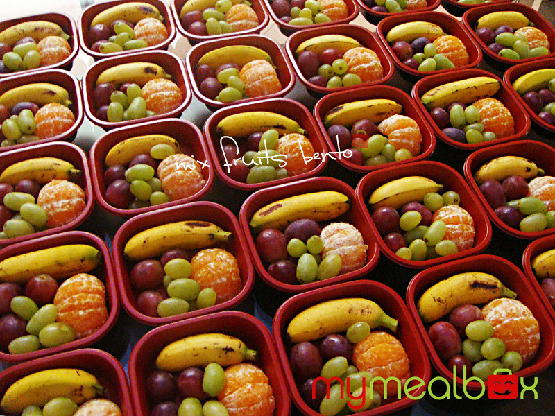 Mix fruits bento