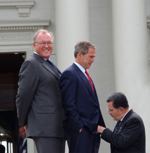 bush_gay_picture