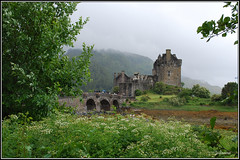 Eilean Donan Castle (isiltasuna) Tags: lake castle kyle lago scotland britain united great kingdom escocia gran viking alejandro eilean donan castillo eduardo als inverness reino unido macrae lochalsh duich bretaa vikingo castiglio