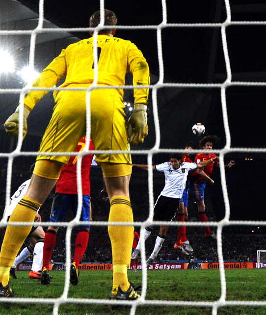 España Carles Puyol foto gol