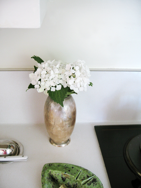 hydrangeas in vintage vase -kitchen