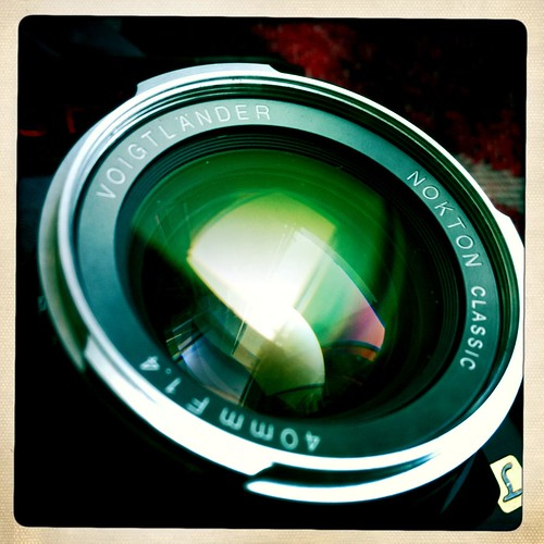The old lens and Hipstamatic 160