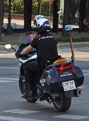 Cuerpo Nacional de Policia - Motoristas ( Alazanes ) (Oscar in the middle) Tags: spain police spanish cop motorcycle nacional policia motorizada