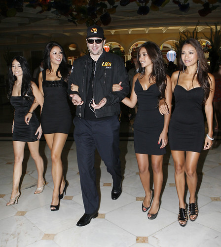 Phil Hellmuth and the Royal Flush Girls