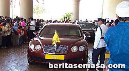 4798369847 0a864c193b [GEMPAK] Senarai Kereta Mewah Orang Kenamaan(VVIP) di Malaysia