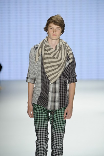 Frederik Thomsen3006_SS11_Berlin_ Custo Barcelona