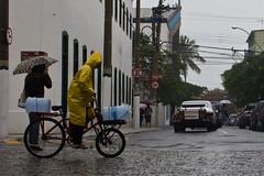 (Marcos Homem) Tags: cidade color chuva nublado inverno cor umbrela cabofrio rainday guardachuva conza gurdachuva marcoshomem