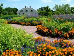 Longfellow Gardens-Minnehaha Park (kkmarais) Tags: minnesota minneapolis twincities flowergardens henrywadsworthlongfellow minnehahapark longfellowgardens longfellowhouse