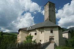 Castello di Monguelfo (Mike1742) Tags: castle italia sony valle alpha alto alpi montagna dolomiti medioevo adige pustertal pusteria sudtyrol casies a350 16105mm
