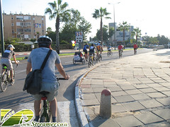 IMG_2894 (Streamer -  ) Tags: friends israel october tour wheels group  police mass  critical activist global bycicle  streamer enviornment    ashkelon        ashqelon