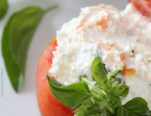 pomodori freschi ripieni
