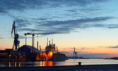 Århus Harbor (Thomas Suurland) Tags: blue orange sunrise harbor ship aarhus århus suurland thomassuurland