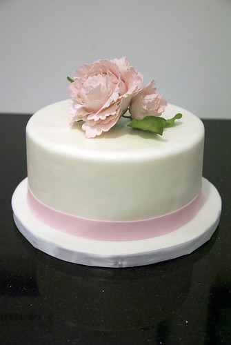 pink peony wedding cake A single tier simple wedding cake to go on top of a